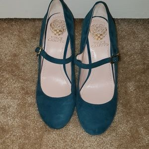 VINCE CAMUTO turquoise suede wedges Size 7.